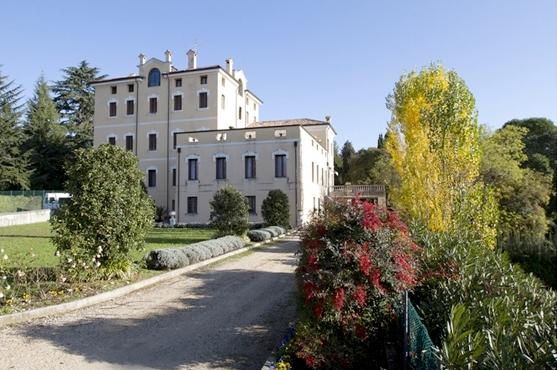esterno villa scalabrini